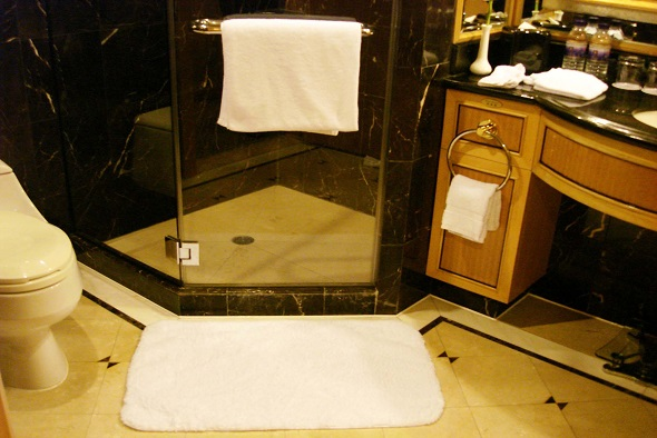 Rismat FloorGuard Bath Mat in Bathroom