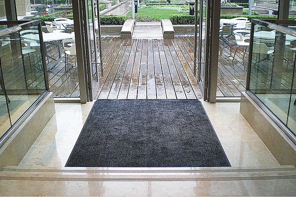 rismat-magic-mat-front-door